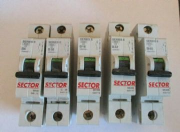 SECTOR / GE SERIES E B10 10 AMP SE10B SINGLE POLE MCB CIRCUIT BREAKER.